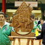 El presidente del Cabildo de Lanzarote felicita al Club de Lucha Tao, campeón del 'XXXIII Torneo de Liga Cabildo de Lanzarote'